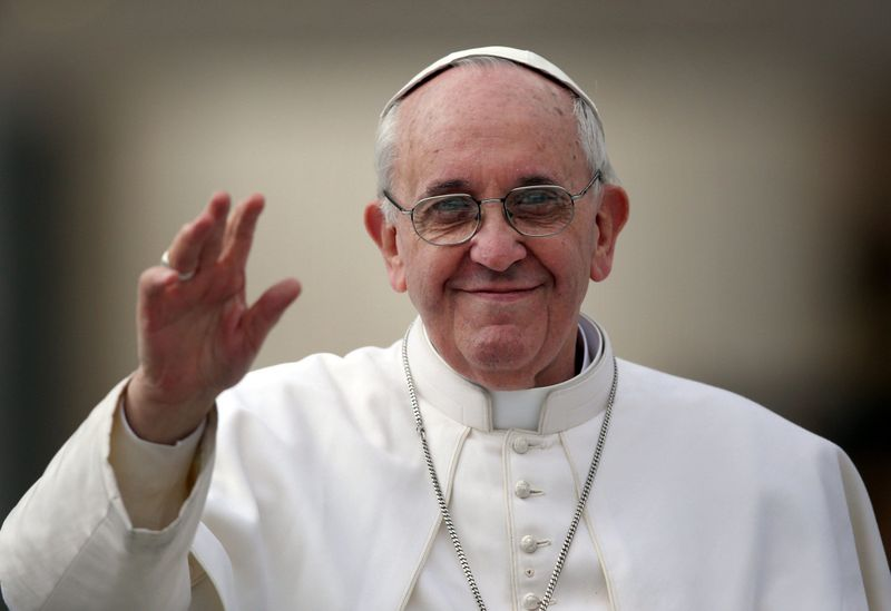 Pope-francis-wont-judge-gay-people