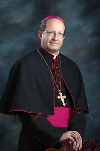 Bishop_Walkowiak_black_cassock_2013_web