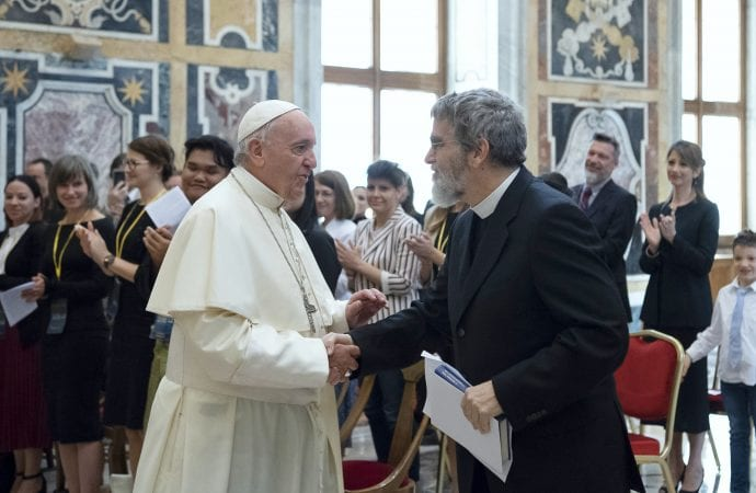 20180615T0956-0199-CNS-POPE-ASTRONOMY-690x450
